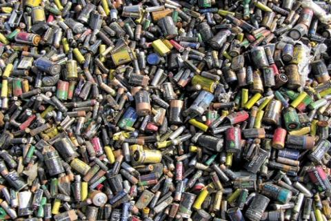 Çevre ve Şehircilik Bakanlığı Okullarla 173 Ton Atık Pil Topladı!