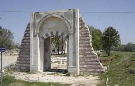 6 Asırlık Edirne Sarayı'nda Kazılar Sürüyor!