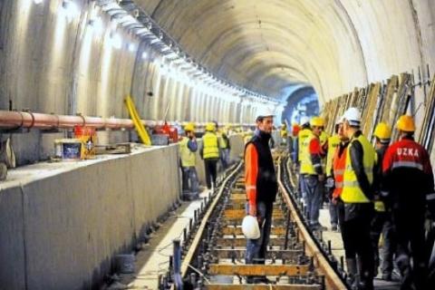 Binali Yıldırım: Metrolar Konusunda Kimse Kafa Bulandırmasın!