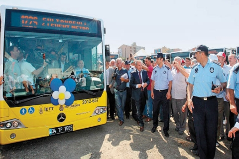 Sarı Otobüsler Bu Kez Anadolu Yakası'nda Seferlere Başladı!