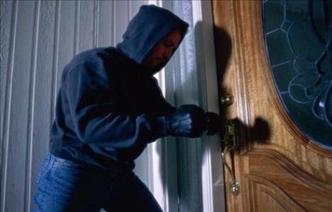 Ulus Konakları'nda 2 Eve Hırsız Girmesi Oturanları Korkuttu!