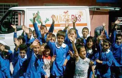 Müzebüs 220 Okulu Ziyaret Edecek!