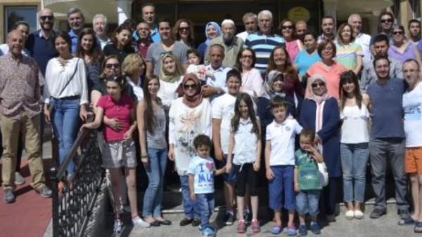 108 Yaşındaki Taş Ustası Ömer Dede'ye Pastalı Kutlama