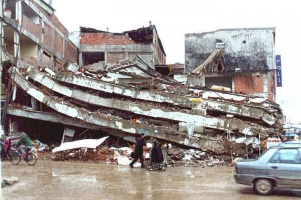 16 Yıldır Beton Tabutluklarda Ölümü Bekliyorlar