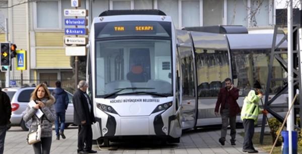 Kocaeli'de Yapılacak Tramvayın İnşaat Sözleşmesi Yapıldı