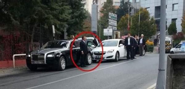 Ağaoğlu, Yolda Beklerken Objektiflere Yakalandı!