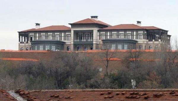 """Cumhurbaşkanı, 250 Odalı """"Yavru Saray""""a Taşındı"""