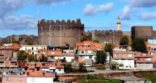Diyarbakır Sur ve Bitişik İlçelerde Ev Fiyatları Dibe Vurdu