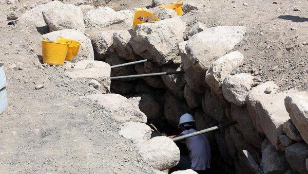 alacahoyukte-2-bin-300-yillik-gizli-gecit-bulundu