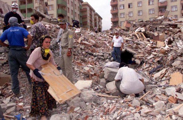 olasi-istanbul-depreminde-2-milyon-insan-evsiz-kalacak-1