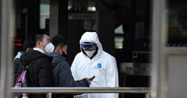 Çin Virüs Tedavisi İçin Bin Yataklı Prefabrik Hastane Yapıyor