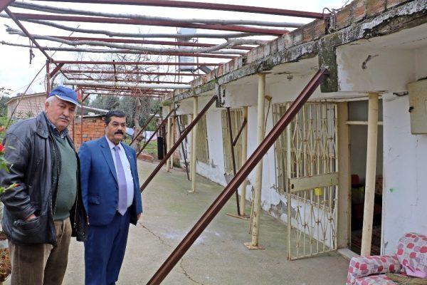 Evlerinin Yıkılmaması İçin Demir Profillerle Önlem Almaya Çalışıyorlar